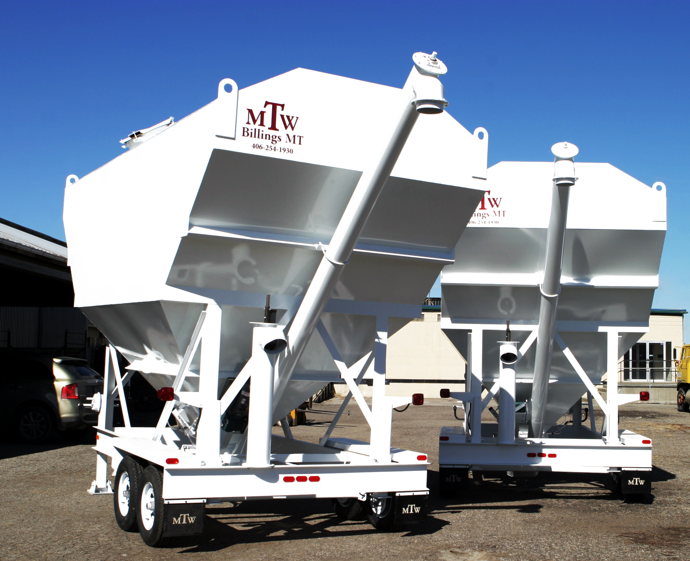 Tip up portable silo