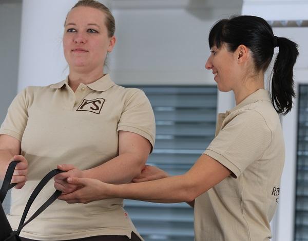 Schulung des Körpergefühls durch professionelle Anleitung mit Alexander Technik.