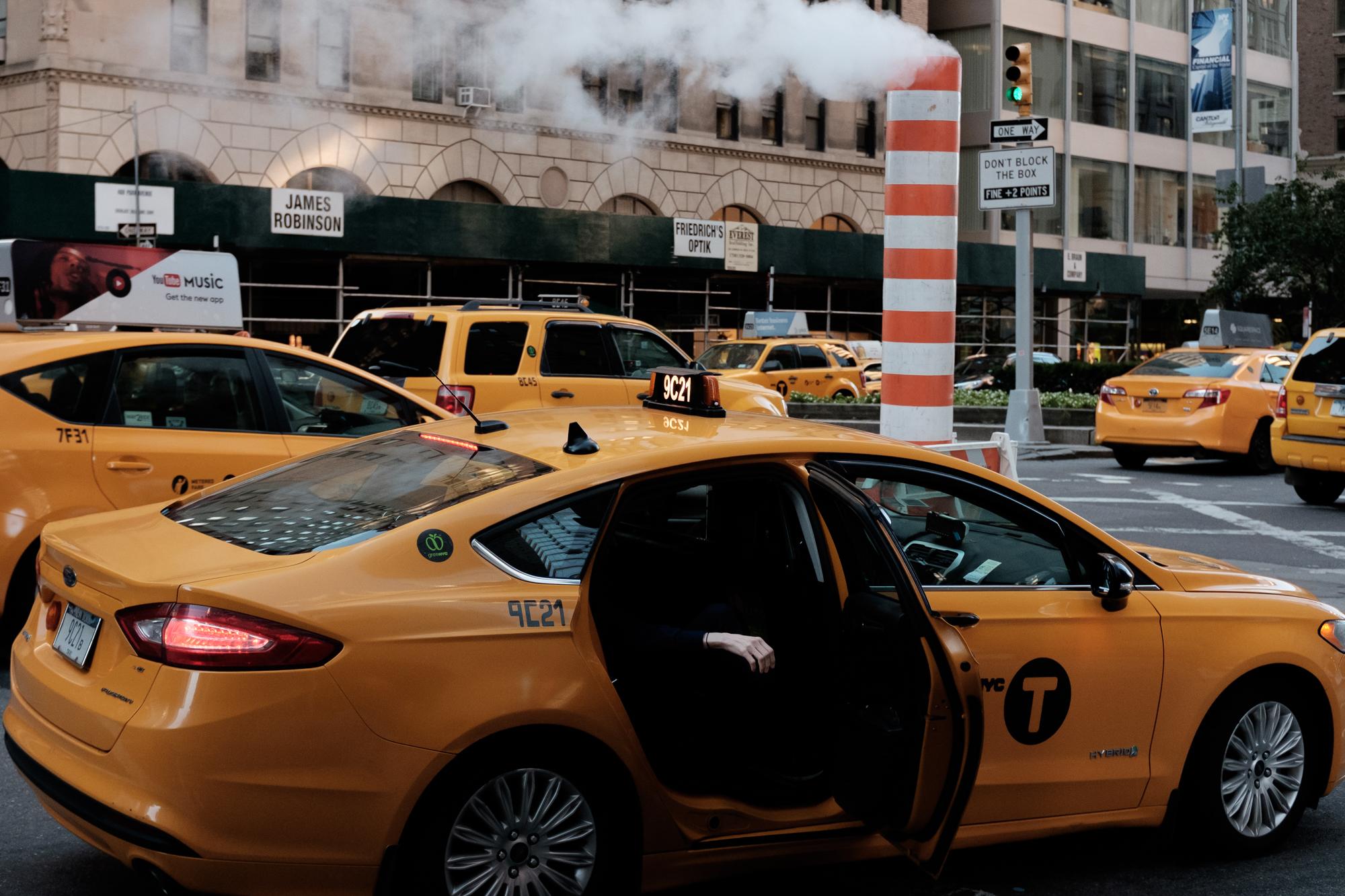 new-york-city-street-photographer-Youngjae-Lim-4