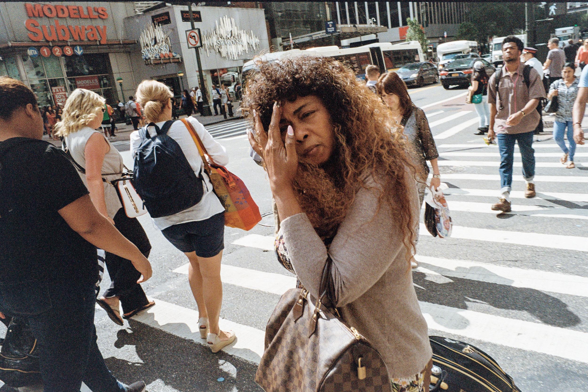 new-york-city-street-photography-jorge-garcia-11