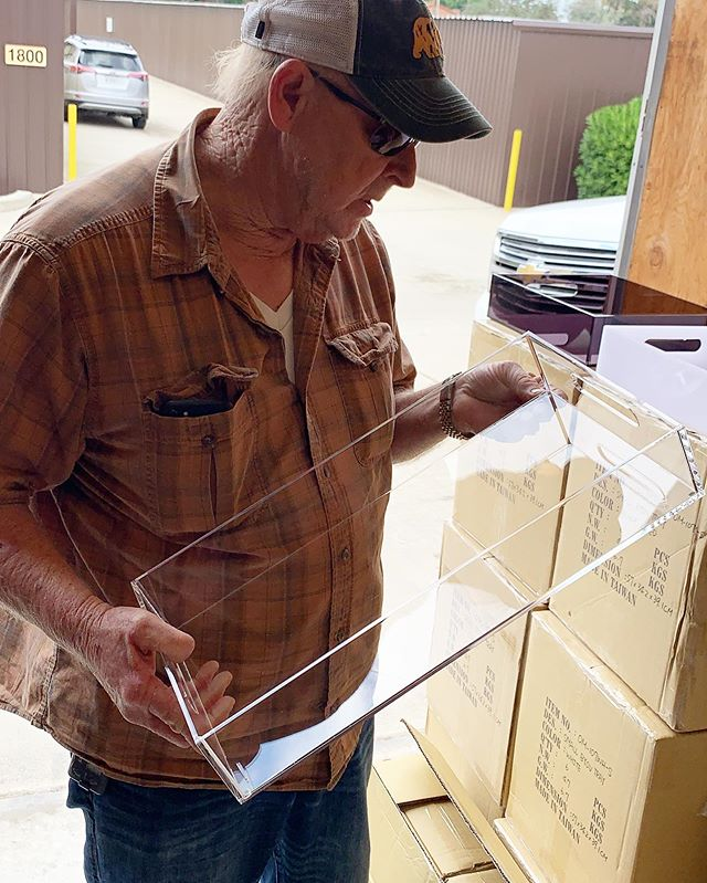 Dad helping us with quality assurance. Even Dad's love our Boxy Trays! Happy Father's Day to all the great dads out there! #dadapproved . . . . .  #inspiration #art #organicskincare #effortless #modernman  #boxyboy #boxyworld #organizers #dresserorganization #authentic #organization #men #skin #artists #organizeyourlife #boxyboyskin #enjoyboxy #boxymen #luciteorganization #dressergame #skincareformen #skincare  #fathersday #trays #vintage #byov #interiordesign #dad #dadsday
