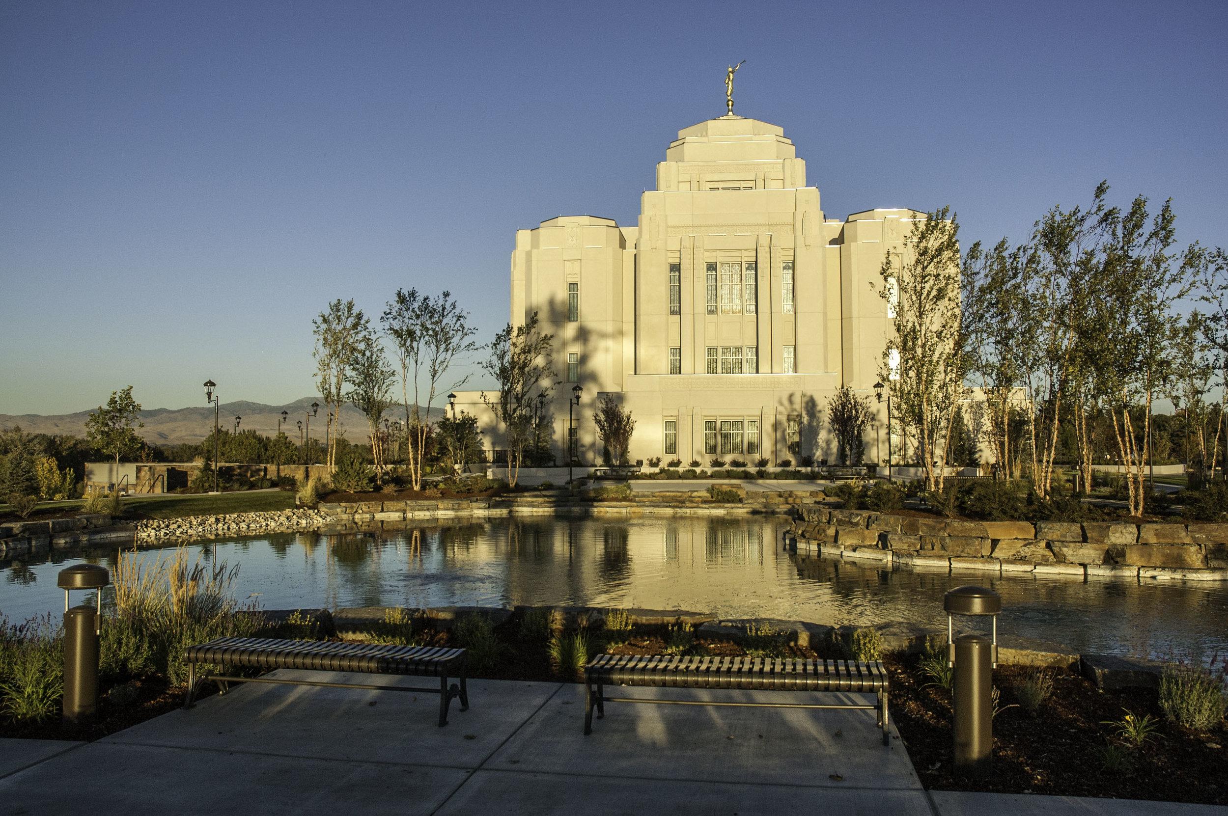 LDS Temple 170930_0018-2.jpg