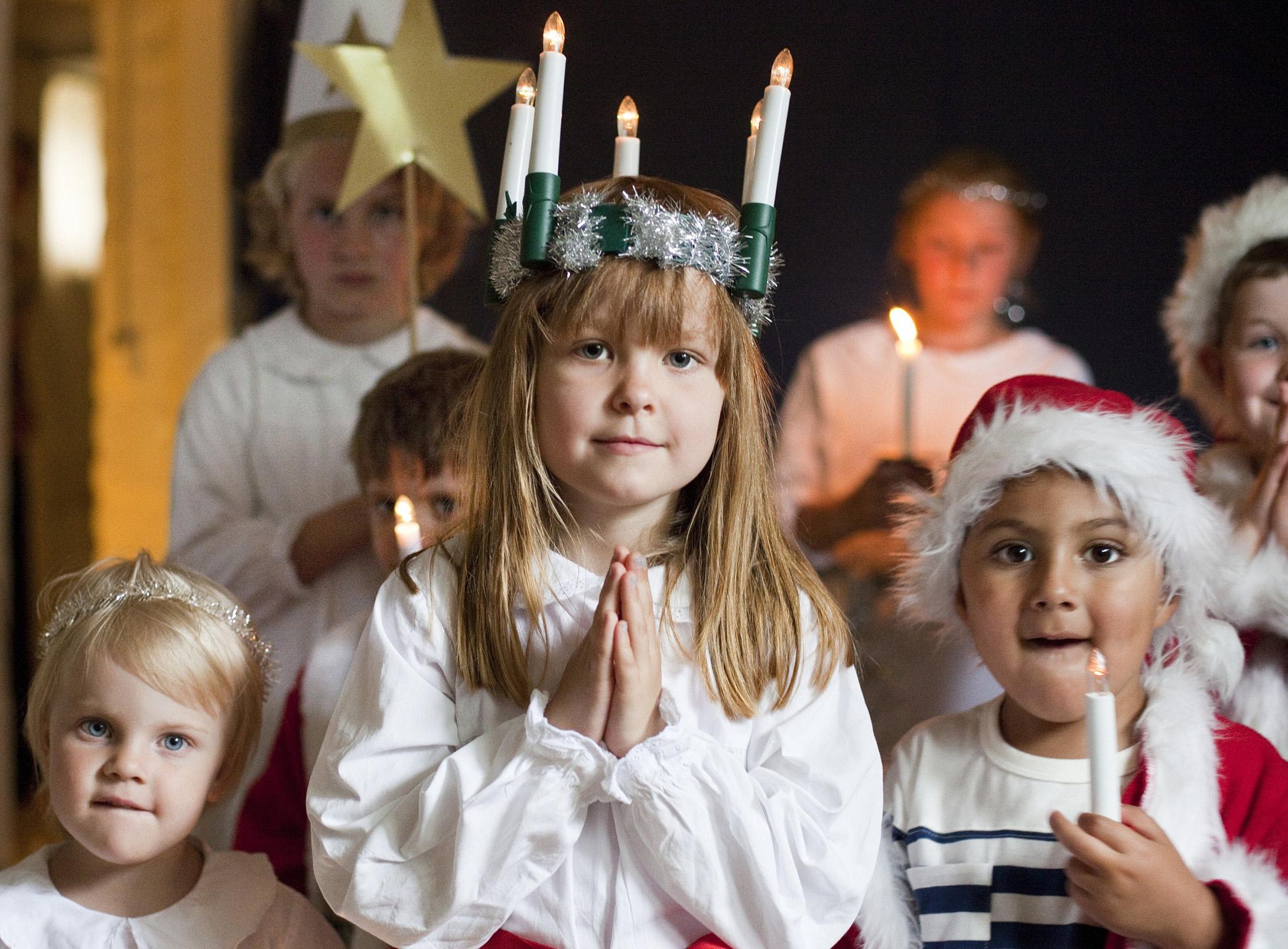 Celebrating-Lucia-children.jpg