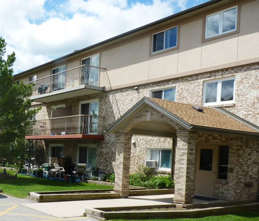 Weinbrenner Apartment – Niagara Falls, ON - Energex upgraded 72 apartment rooms at Weinbrenner Place with occupancy sensors to control energy consumption. Results analyzed were changes in energy consumption per guest year over year between October and April.Energy savings: 120,889 kWh