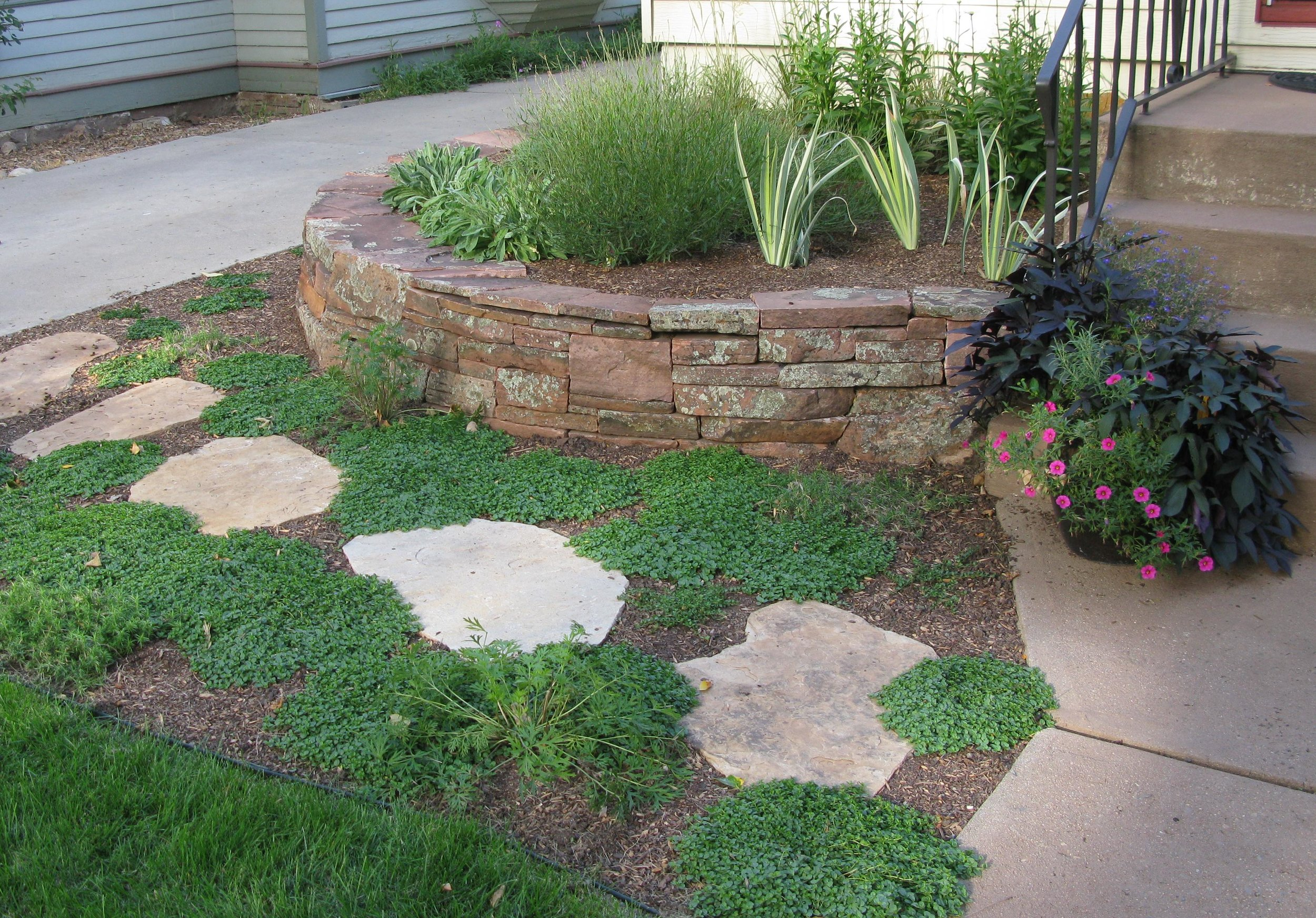 landscape retaining wall | dry stack stone wall