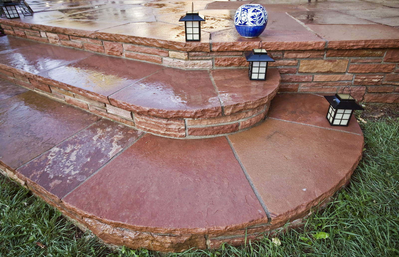 Mortared Colorado Red Flagstone Curved Stair Case.jpg