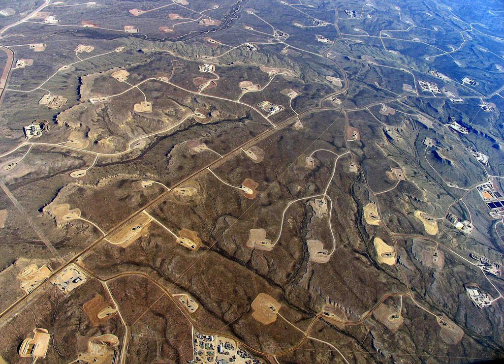 Aerial view of sites where fracking occurs.    Photo courtesy of Simon Fraser University via Flickr.