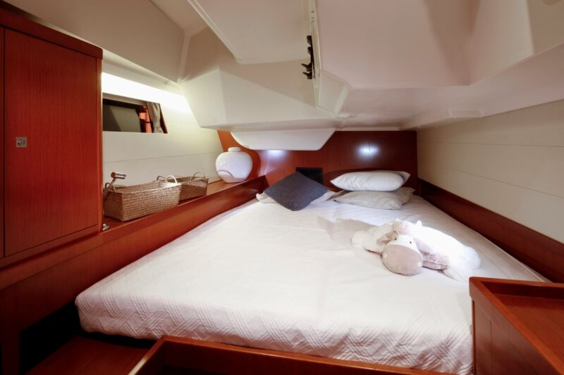 Aft Cabin (Starboard)_preview.jpeg