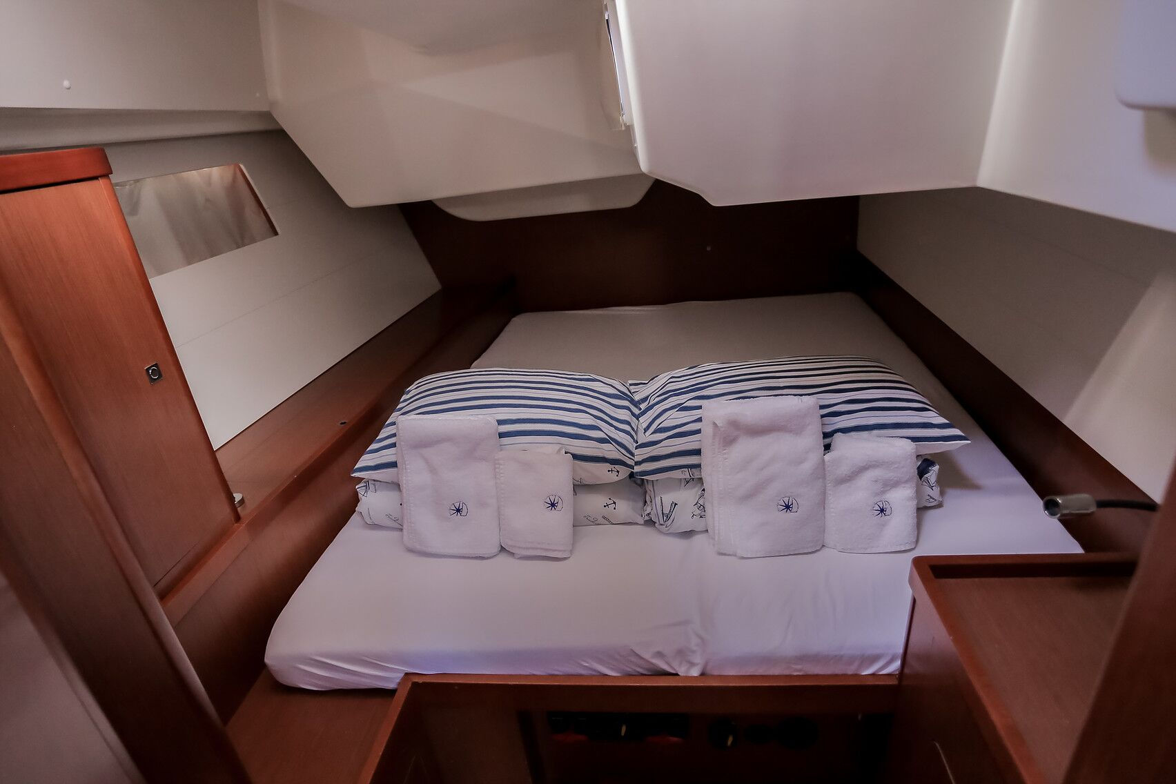 Aft cabin_preview.jpeg