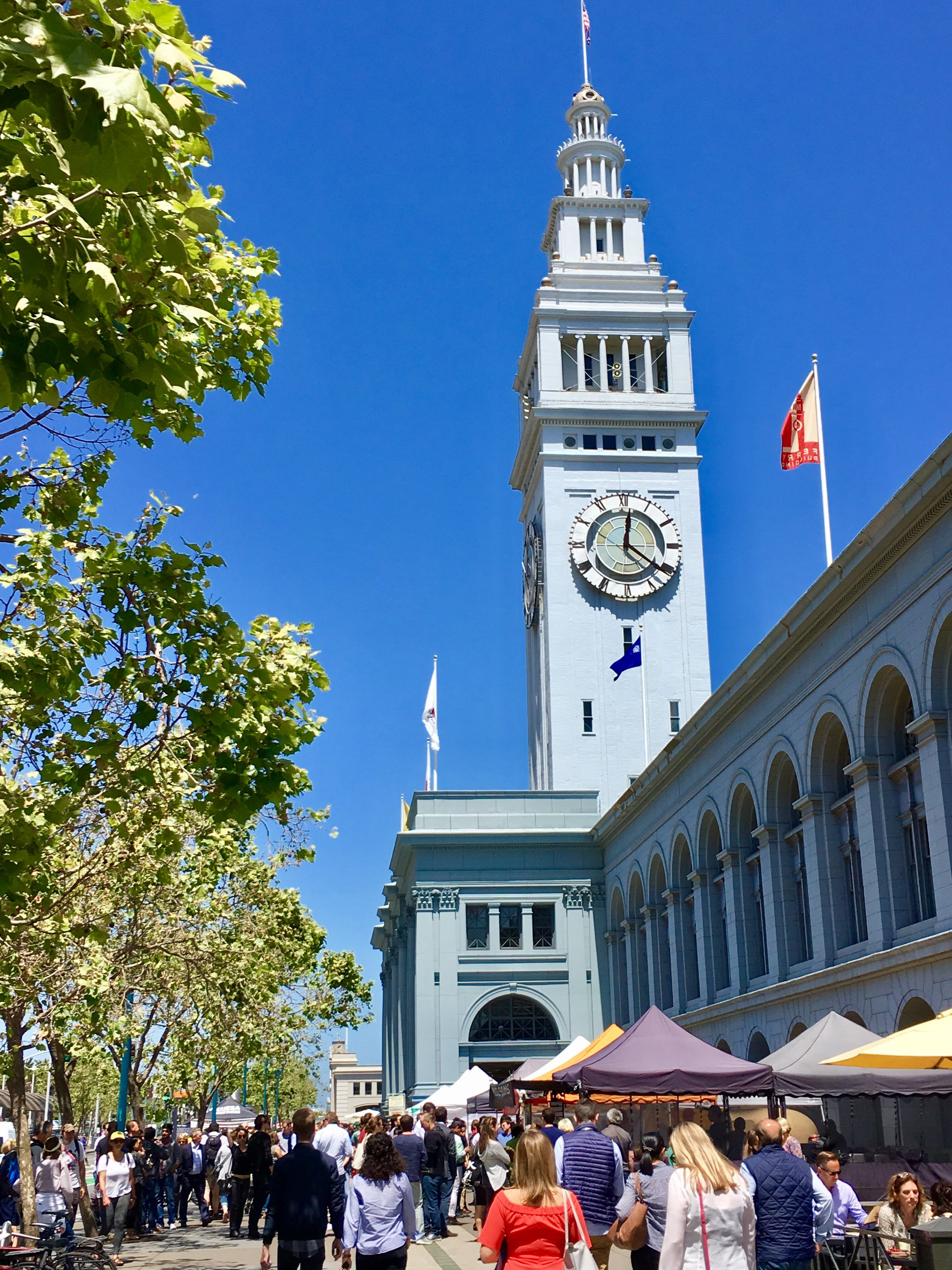 - MARKET LOCATION/HOURSAddress: One Ferry Building, San FranciscoThe Farmer's Market is open three days a week: Tuesday, Thursday 10 a.m. - 2 p.m.; and Saturday 8 a.m. - 2 p.m.The Ferry Building is open Monday-Friday 10 a.m. to 7 p.m.; Saturday 8 a.m. - 6 p.m., Sunday 11 a.m. - 5 p.m.