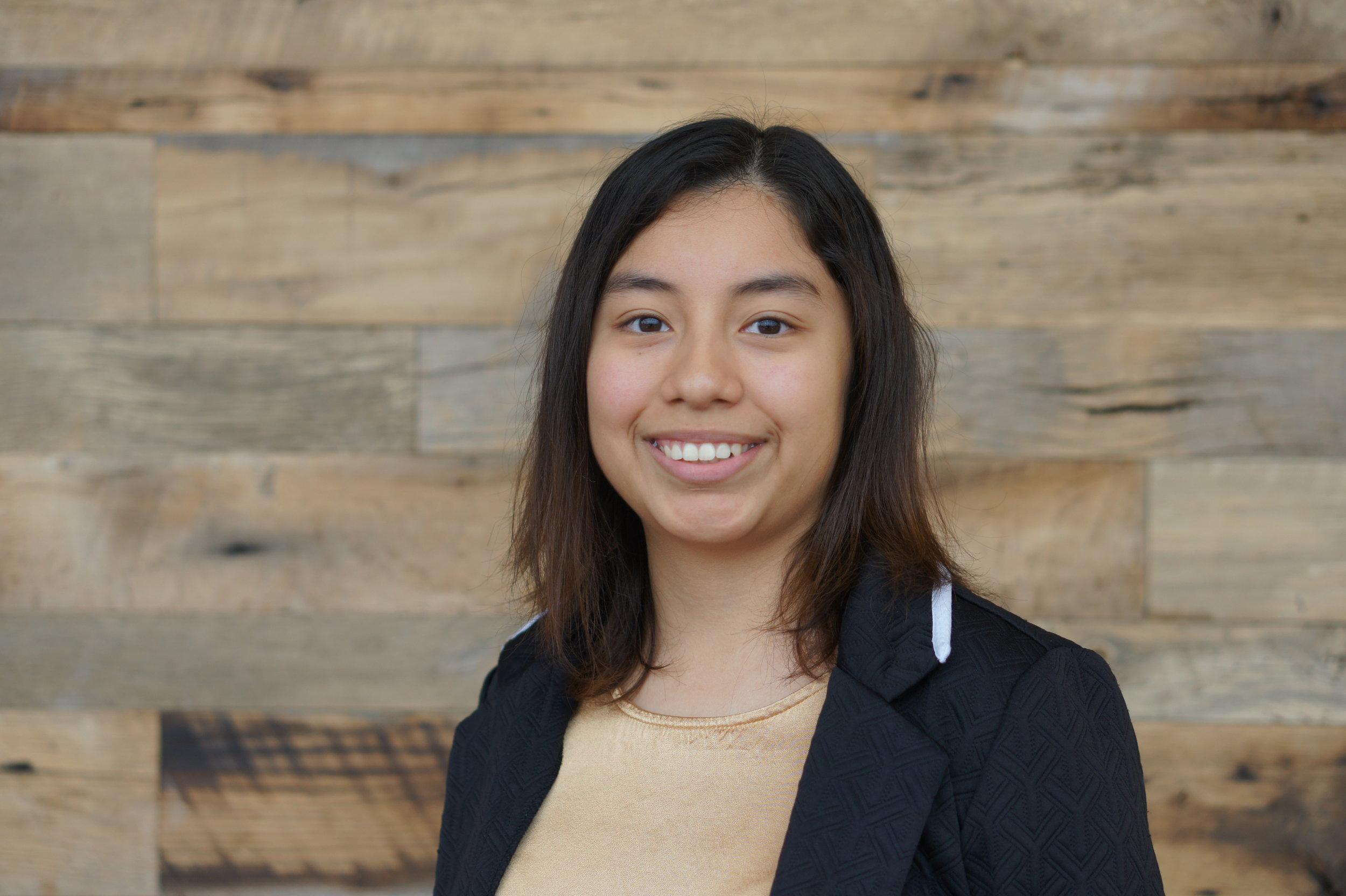 Jazmin Aguilar Mayoral  Business, Freshman High Point University   Food Lion Scholarship