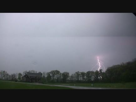 4-30-lightning-4