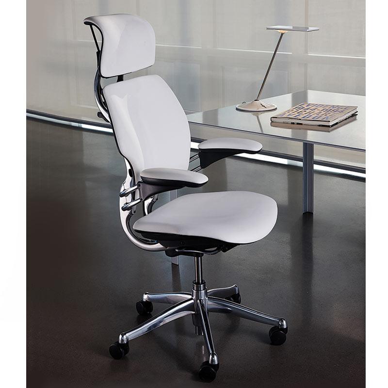 17_humanscale_freedom_headrest_chair_4.jpg