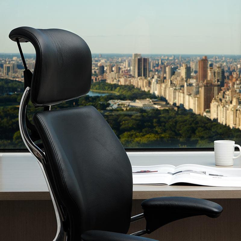 17_humanscale_freedom_headrest_chair_5.jpg