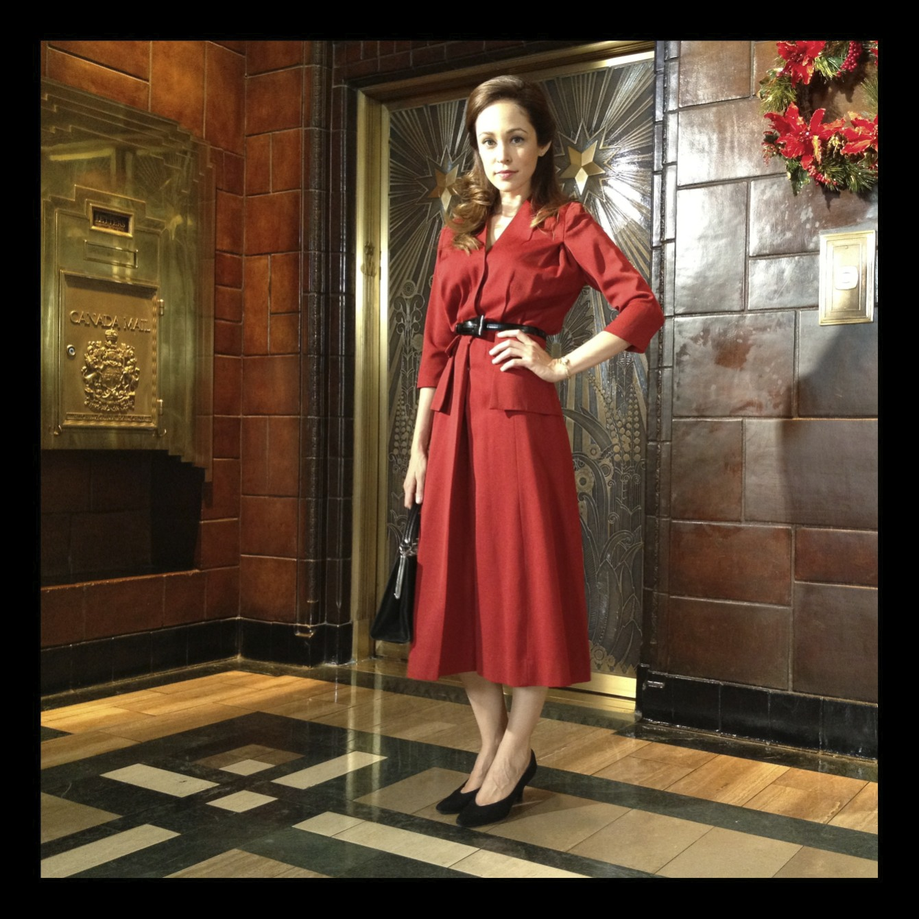 Autumn_REeser_red_dress.jpg