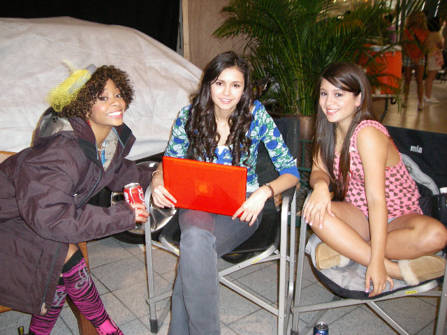 The ever-adorable Breasha Webb, Nina Dobrev, and Bianca Collins relax in between takes
