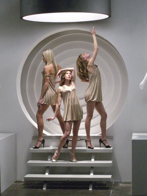 Blythe Auffarth with two incredible & statuesque dancers from Utah