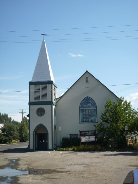 Truckee-downtown-church-550x733.jpg