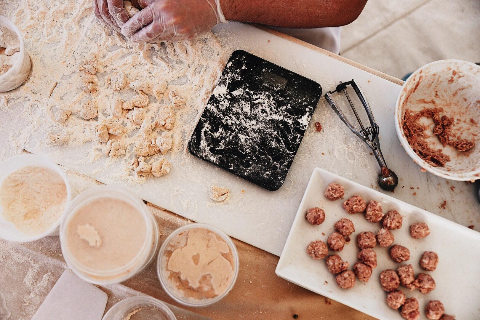 devour-culinary-classics_26730978898_o.jpg
