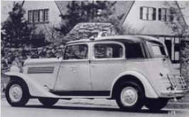 1935 Model Y styling shows the Auburn influence ( www.checkerworld.org )