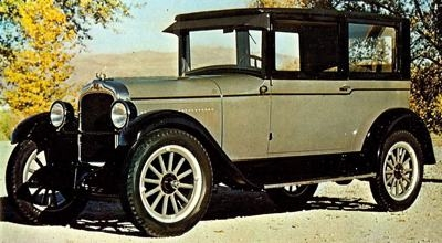 """THE original NAME WAS RESTOERED WHEN OAKLAND GOT A STYLISH COMPANION BRAND. THE  1926 PONTIAC 6-27  was a LOW PRICED 6-CYLINDER car billed AS  """"THE CHIEF OF THE SIXES.""""  ONE OF THE FIRST ever production CARS TO BE STYLIZED, this pontiac SHOWN BRIGHT next to its reserved older sibling. ( www.uniquecarsandparts.com )"""