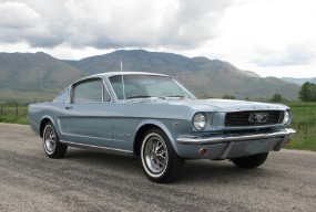Ford Mustang ( www.bringatrailer.com )