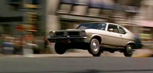 One more visit to hollywood:Tough cop Roy Sheider's  1973 Pontiac Ventura II  tore up the steets of New york  in Philip d'antoni's  The Seven-ups.