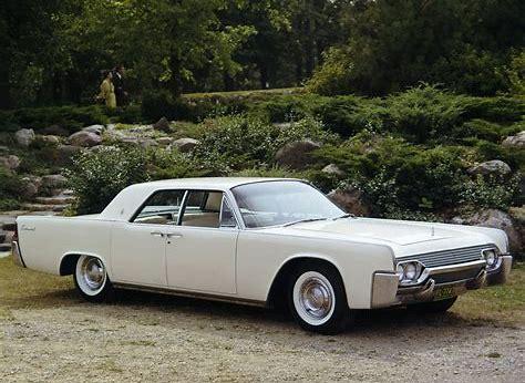 1961 Lincoln Continental ( www.nototiousluxury.com )