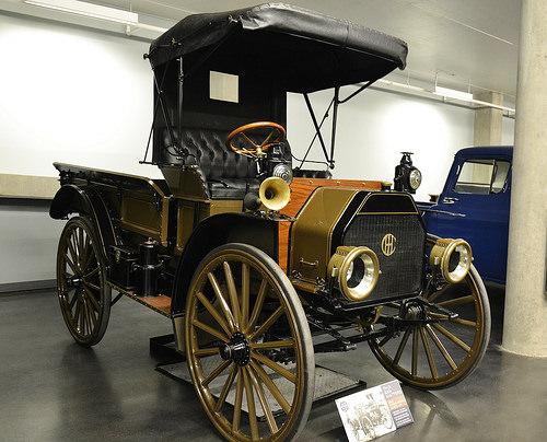 1910 IHC Model MW Truck