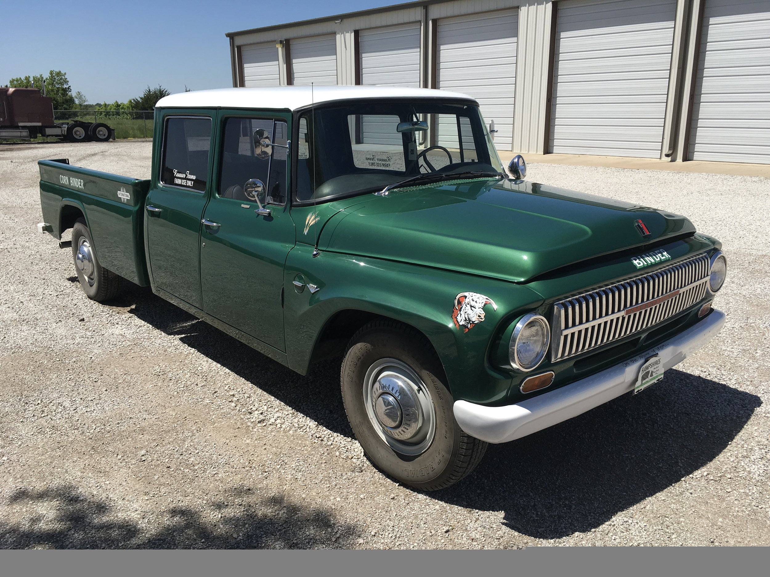1966 International Travelette 1200 Crew Cab (www.gravelRoads.com)