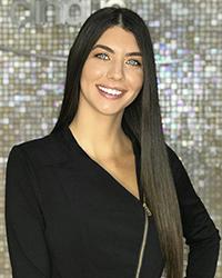 Nikki W.png