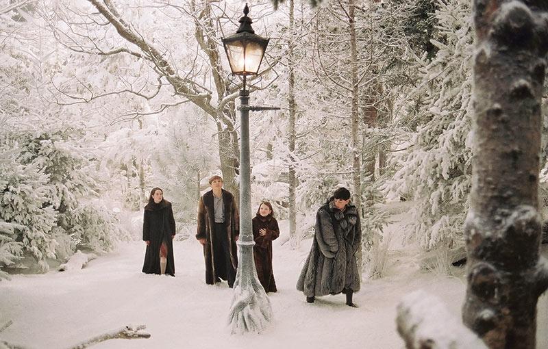 Snow forest set excavated 8m below floor level -   FILM TRAILER