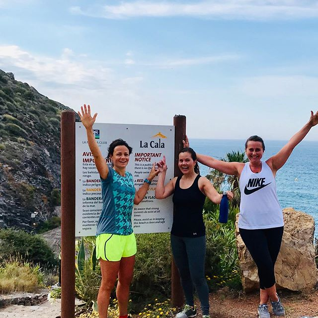 Skál / saluti! La Cala steps - 50 giant steps x10, followed by a mile run up the mountain (all before breakfast!). Well done ladies you smashed it #restore #renew #refresh #fitness12retreats #fitness #retreats #workout #cardio #fastedcardio #lamanga #spain #sun #travel #health #happiness