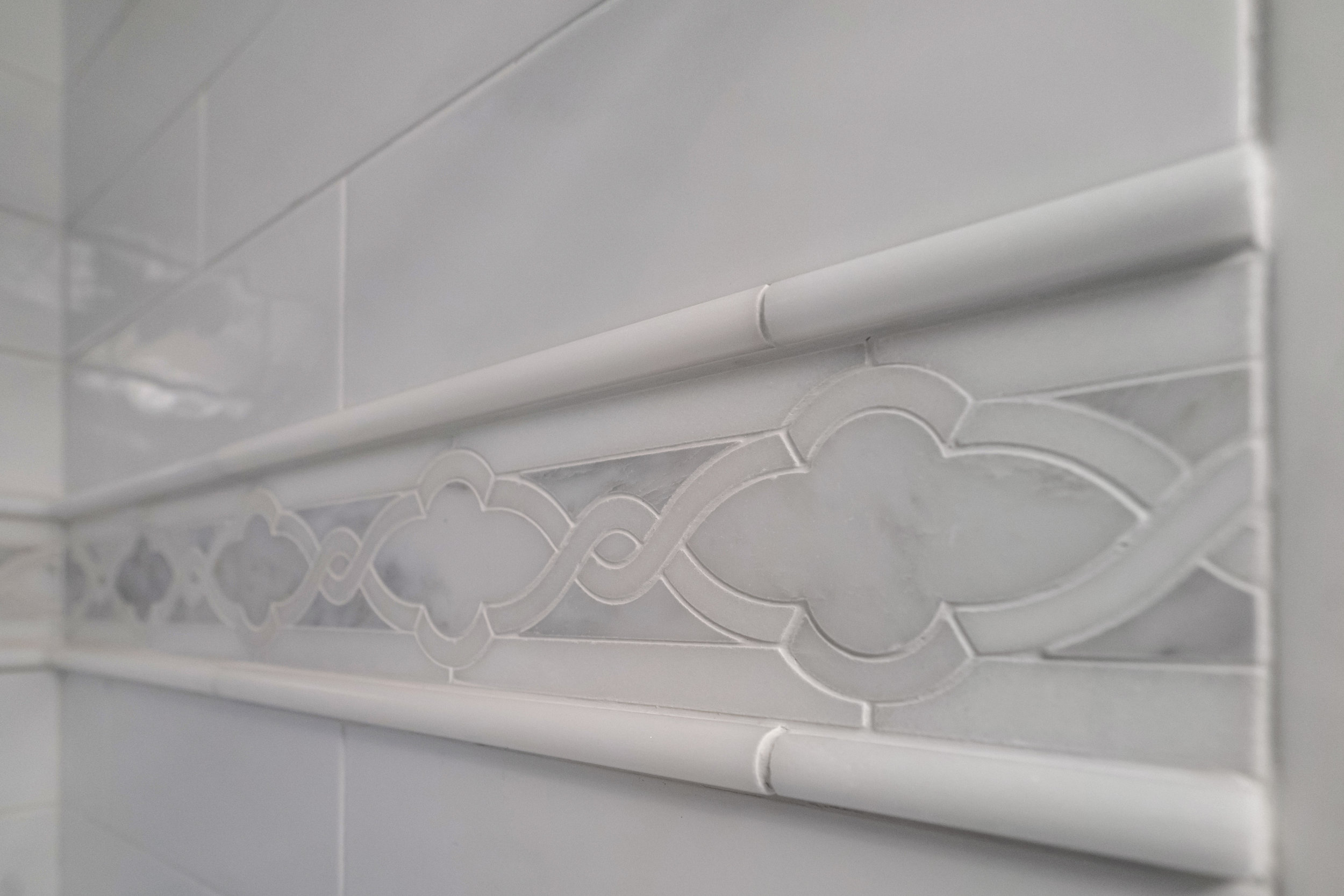 Marble tile inlay