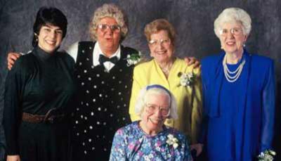 Kathy Kleiman, Jean Bartik, Marlyn Meltzer, Kay Antonelli, Betty Holberton  Image Courtesy: eniacprogrammers.org