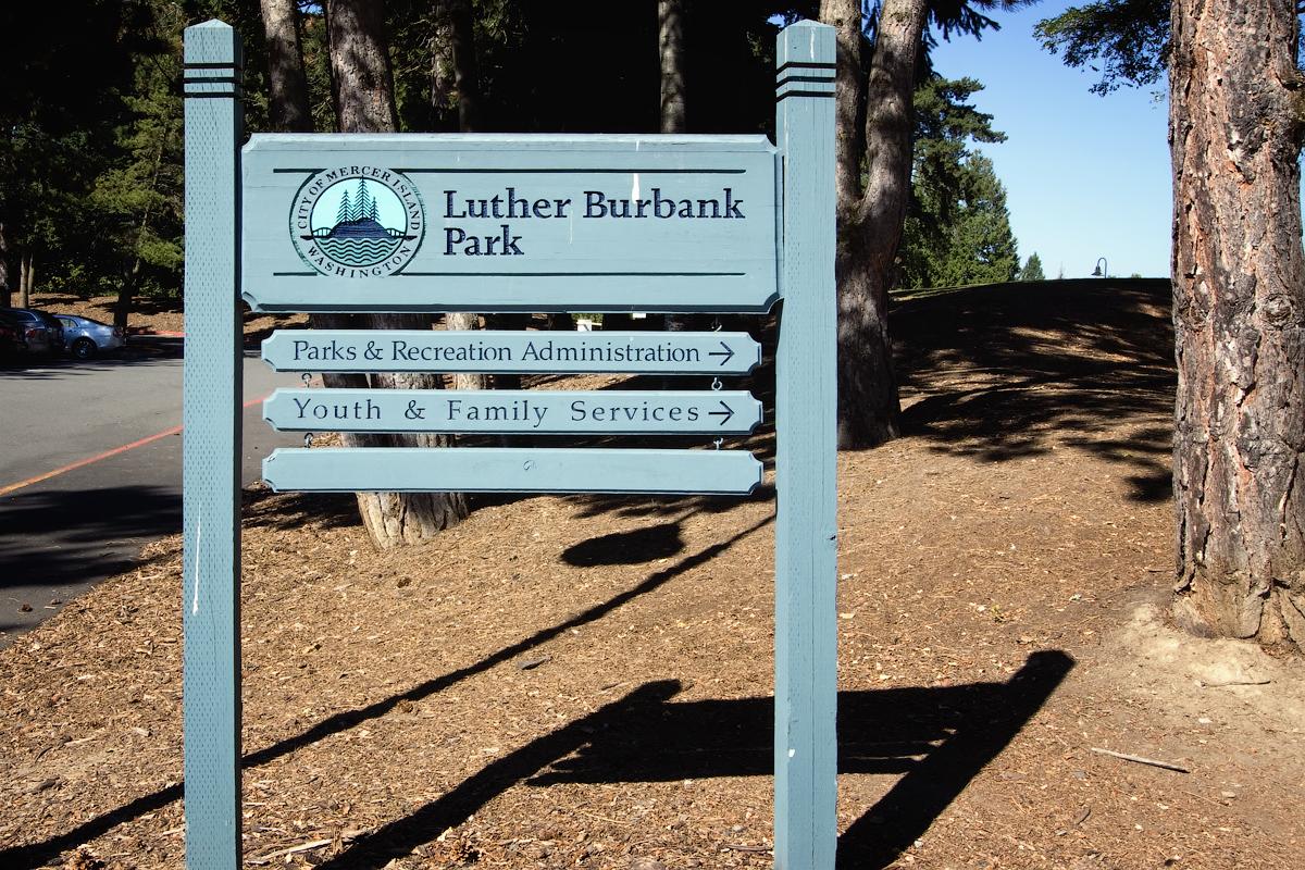 Luther_Burbank_Park_sign.jpg