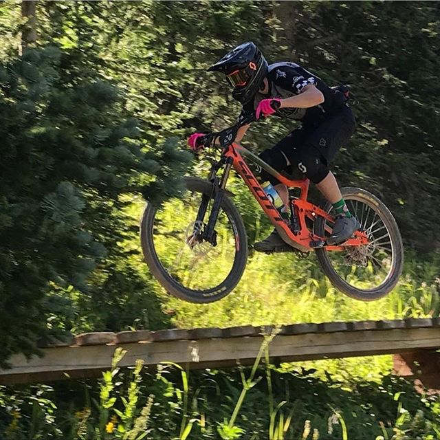 The local shredders of Durango have been doing incredible!  Go @durnago.devo  @simon_donnaway -- 📸 credit! Use #pedaldurango or tag to be featured!  Check out what's new and what you may be missing out on in Durango!  Check out the new swag everyone is repping! Follow the link in the bio! . . . . . . . #visitdurango #colorado #visitcolorado #durangocolorado #coloradotography #durango #mountainlove #snow #coloradolive #hikedurango #transport #getoutside #sanjuanmountains #skipurg #dodurango #winter #coloradoliving #sunset #coloradosnow #hikewithme #purgatory #hikecolorado #coloradical #coloradogram #pocket #express #trains #trb #everything 