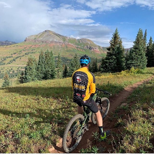 @4cmtbr -- 📸 credit! Use #pedaldurango or tag to be featured!  Check out what's new and what you may be missing out on in Durango!  Check out the new swag everyone is repping! Follow the link in the bio! . . . . . . . #mountainbiking #mtb #mountainbike #mtblife #cycling #bike #downhill #enduromtb #bikelife #enduro #mtblove #freeride #downhillmtb #nature #mountainbiker #biking #bicycle #mountains #bikes #cyclinglife #mountain #mountainbikes #gopro #ride #mountaineering #mtbpictureoftheday #instabike #mountainlife #visitdurango