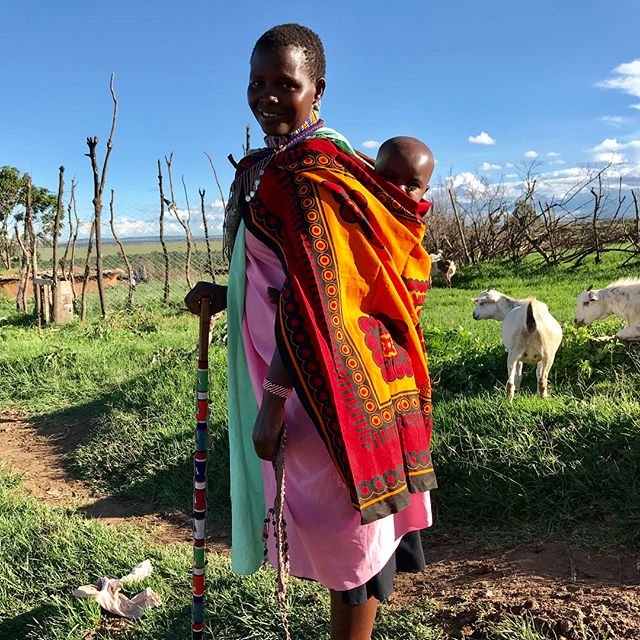 The beautiful people of the Maasai Mara Tribe are so happy and welcoming 🤗 . . Photo #2: Maasai Tribe tradition is whoever jumps the highest gets the prettiest girl.