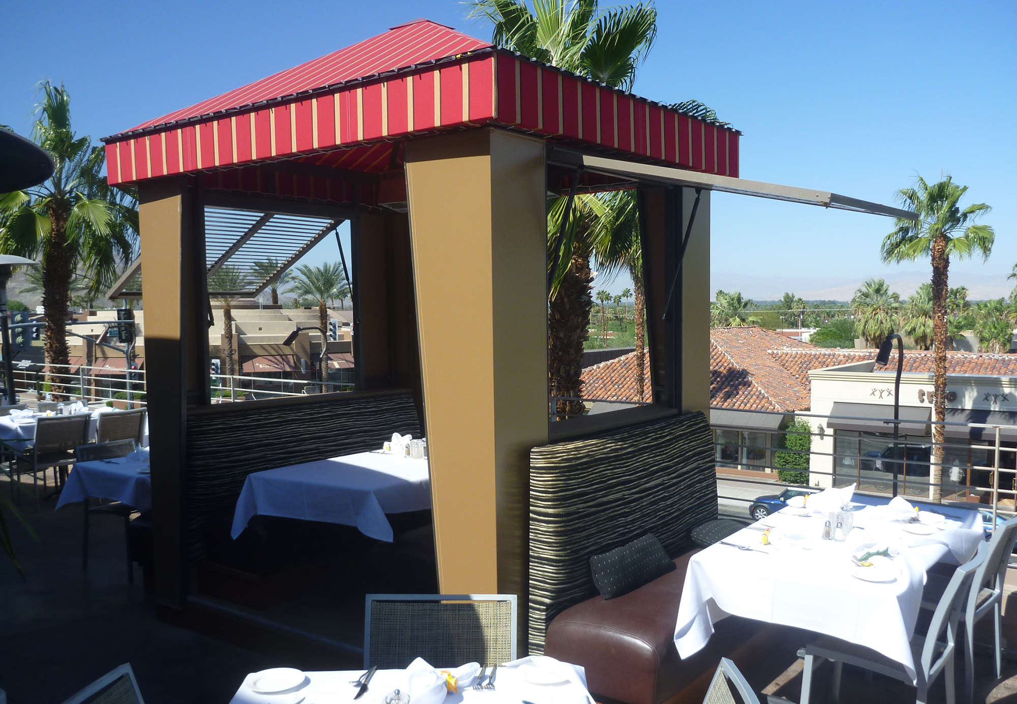 21-Cabana-Dining.jpg