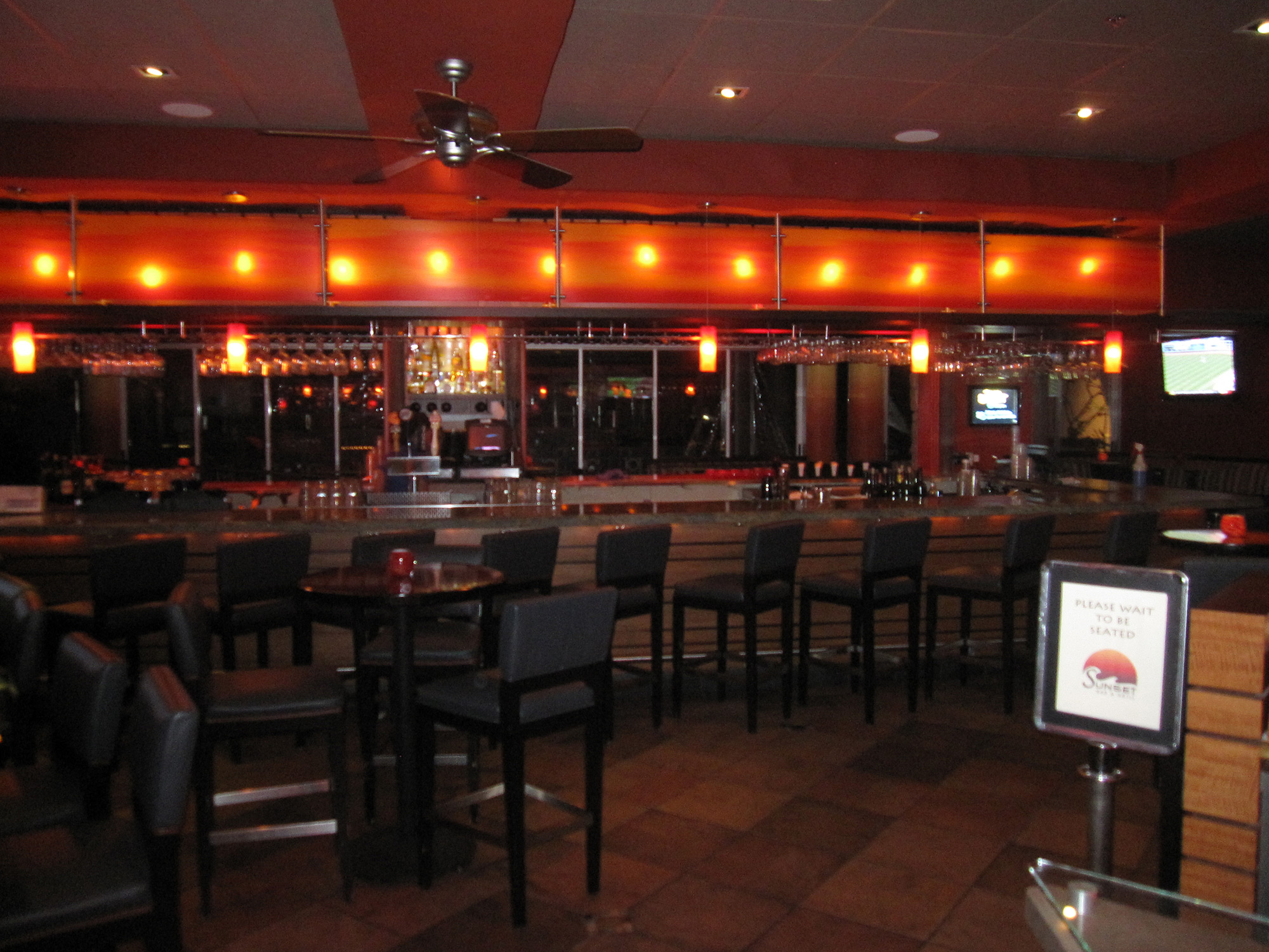02-Sunset-Bar-&-Grill.jpg