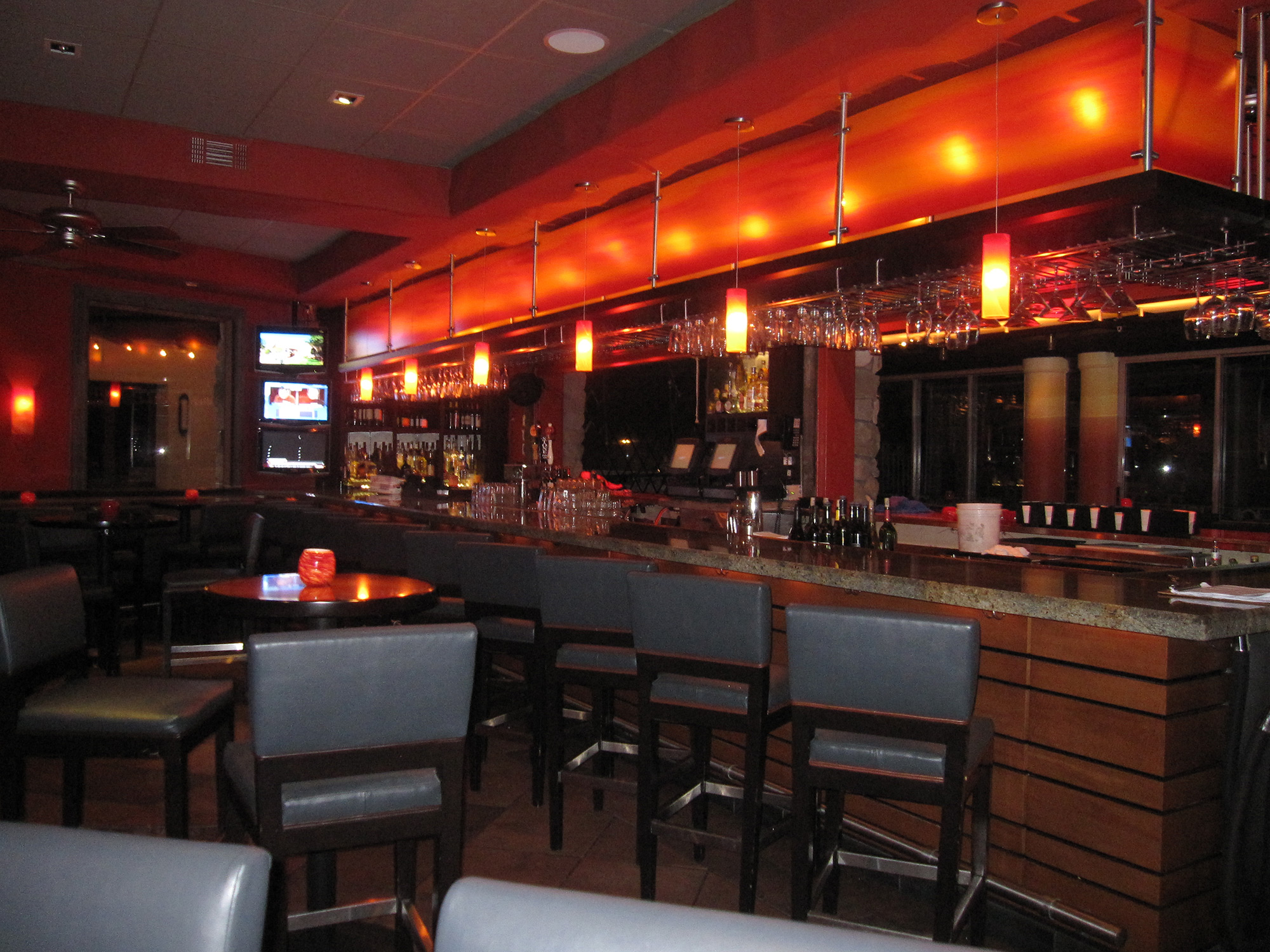 04-Sunset-Bar-&-Grill.jpg