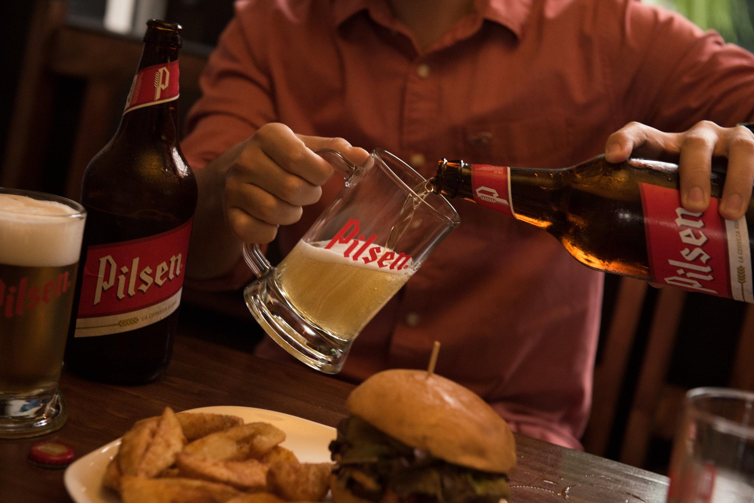 Fotografía Comercial Cerveza Pilsen Bar Costa Rica