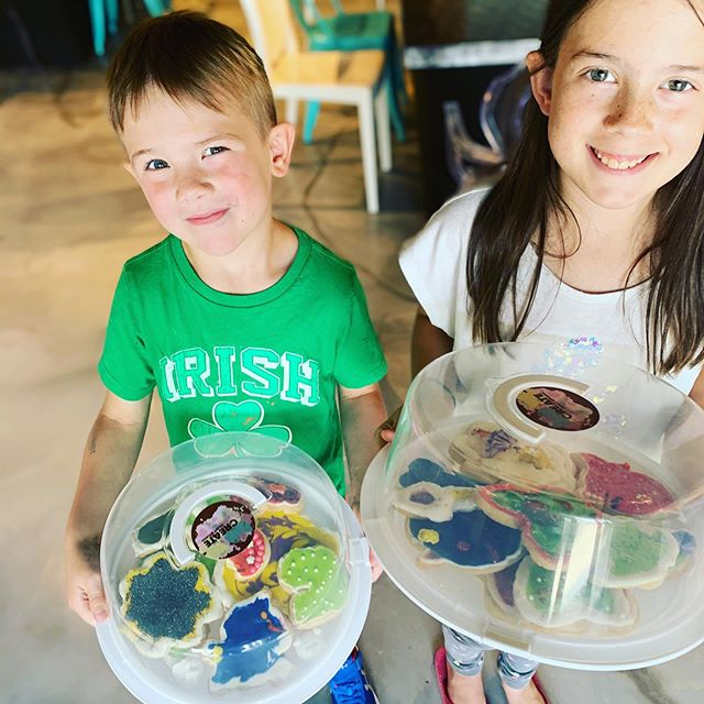 We like seeing parents enjoying themselves with their children. This young man makes his Mom giggle + light up like a Christmas tree! 😃 Summer drop in activities are now available during select times. See createcraftparties.com for more information.  #sillybrother  #patientsister  #gigglymommy  #familyfun  #artsandcrafts  #letsmakethem  #slime  #cookiedecorating  #fairygardens