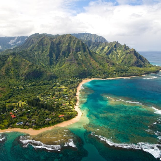 Go Island Hopping With This Guide to the Hawaiian Islands - BRIT + CO: Though the state of Hawaii is always a popular vacation spot with its blue skies, Mai Tais, and swaying palms and luau dancers, less is known about the cultural and geographic differences that make up the chain of eight islands.(12 July 2018)