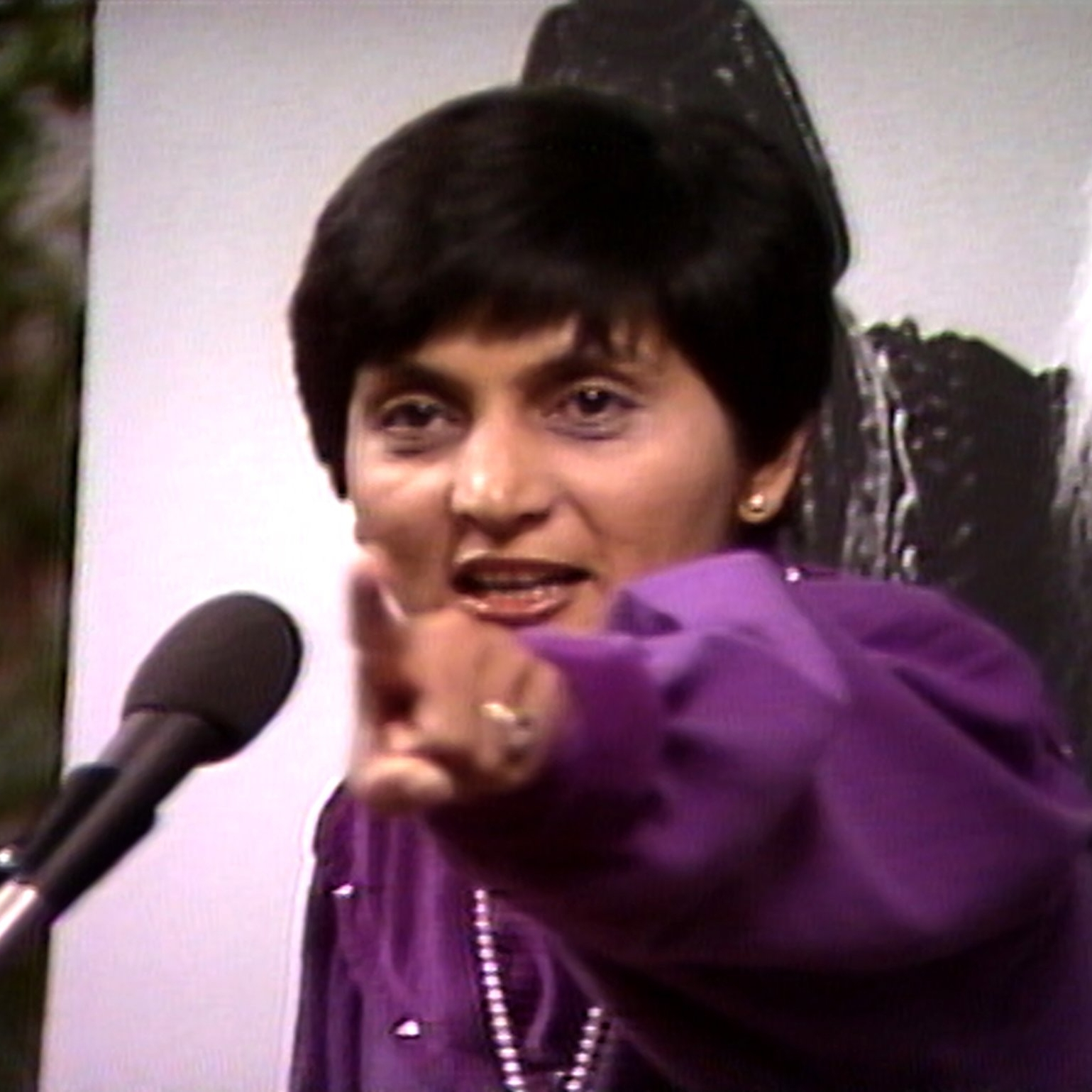 Is Wild Wild Country Real? - IMDB: Locals were astounded and horrified by the influx of 7,000 free-love-worshipping spiritual seekers in their tiny town - of all the places in the world: Antelope, Or? - and it only gets weirder as the story goes on.(2 April 2018)
