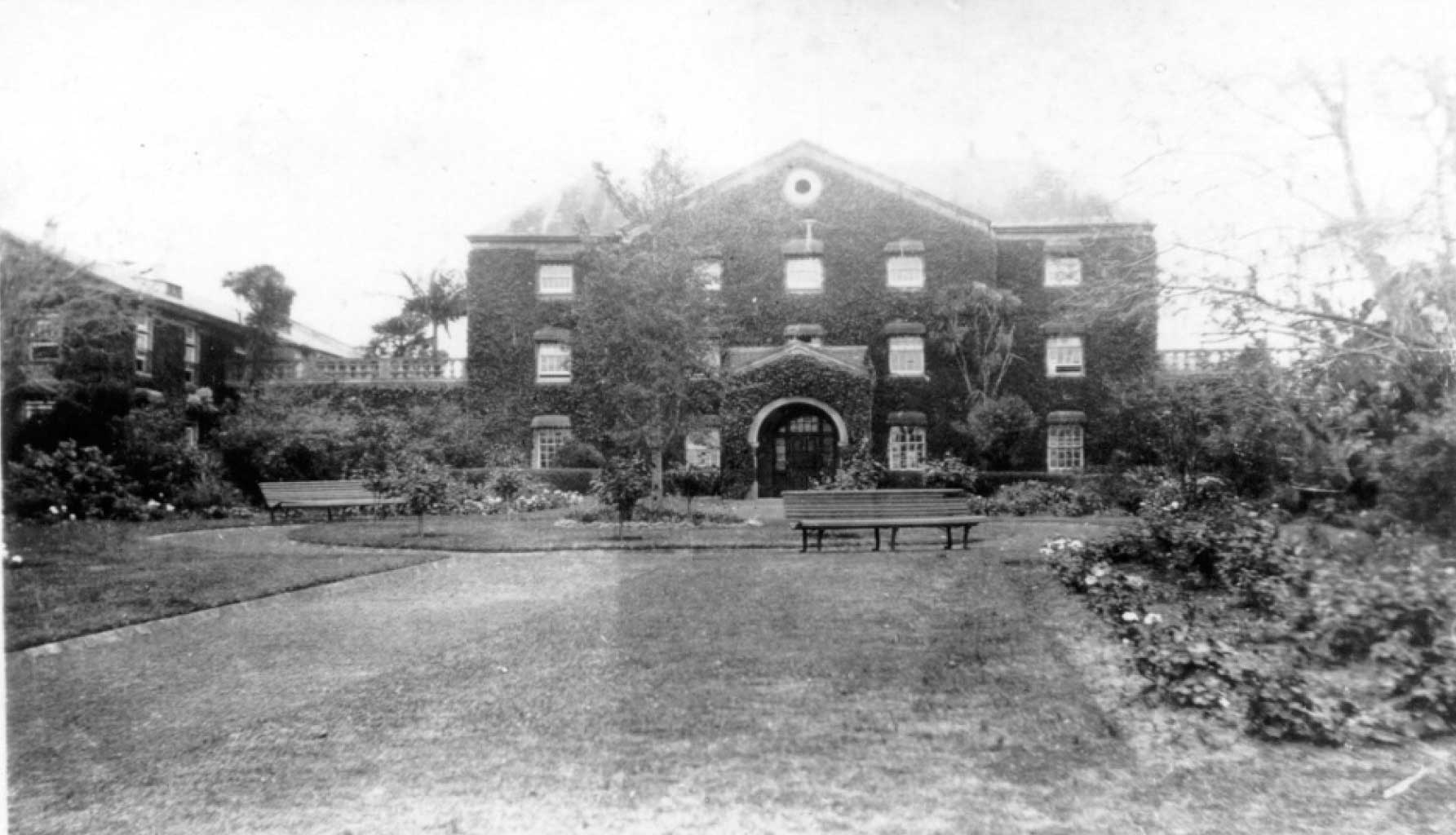 Rydalmere Psychiatric Hospital, around 1920 (Garth McGill Collection)