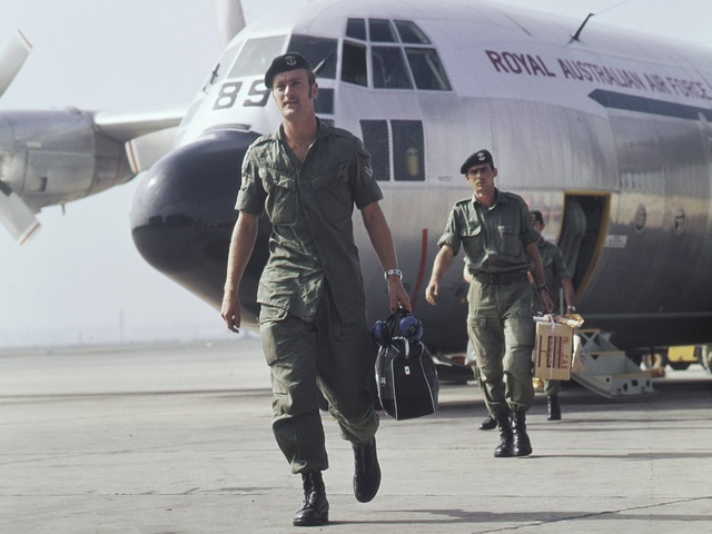 Some of the last remaining Australian troops returning from Vietnam. Richmond Air Force base, 18 December 1972