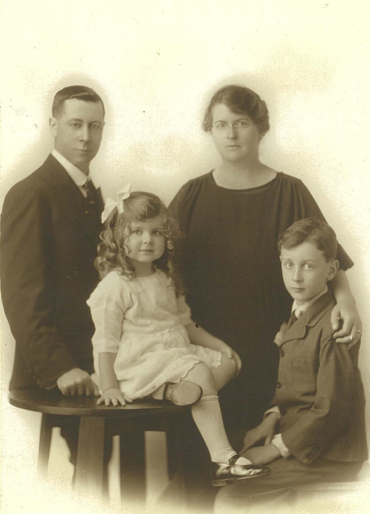 Formal photograph of the Whitlam Family, 1923.
