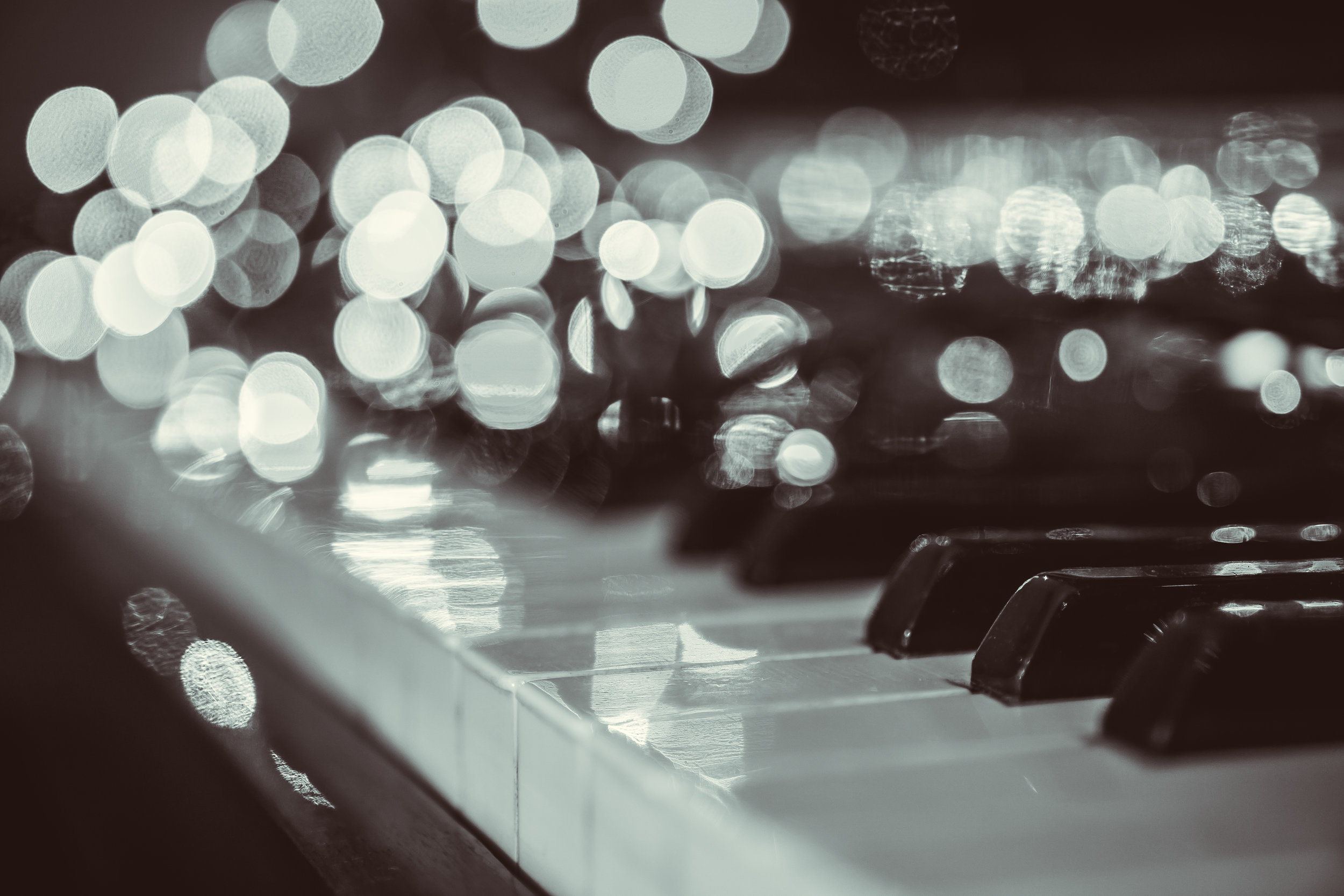Piano and lights